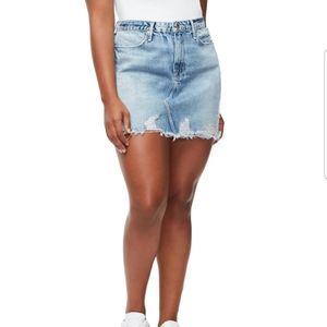 Good American Fray Hem Skirt